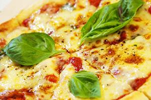 バジルとモッツァレラチーズのマルゲリータ